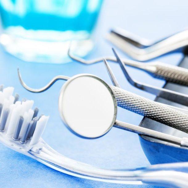 Sztuczne zęby - ile kosztują?